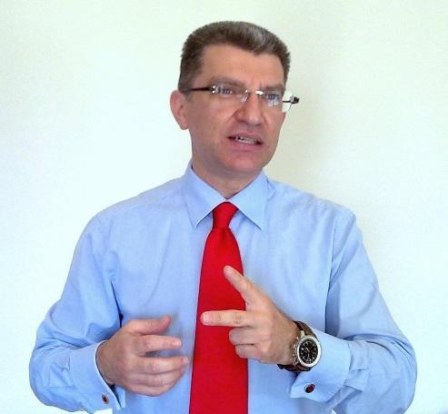 Ο Σύμβουλος Επιχειρήσεων Δημήτρης Σεραφειμίδης